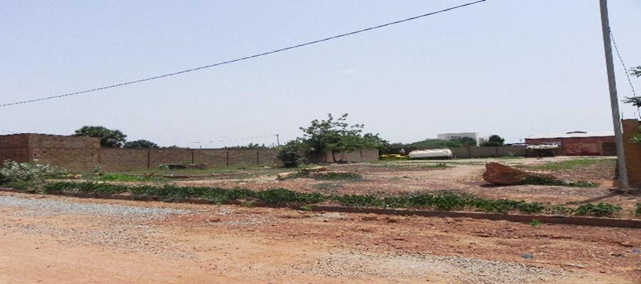 Terrain nu de 900 m²  sis à Tanghin  à Ouagadougou.