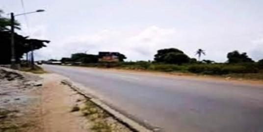 Terrain de 2 573 m² en bordure de la RN2 Ouagadougou-Ouahigouya.  Idéal pour l'installation d'une station service
